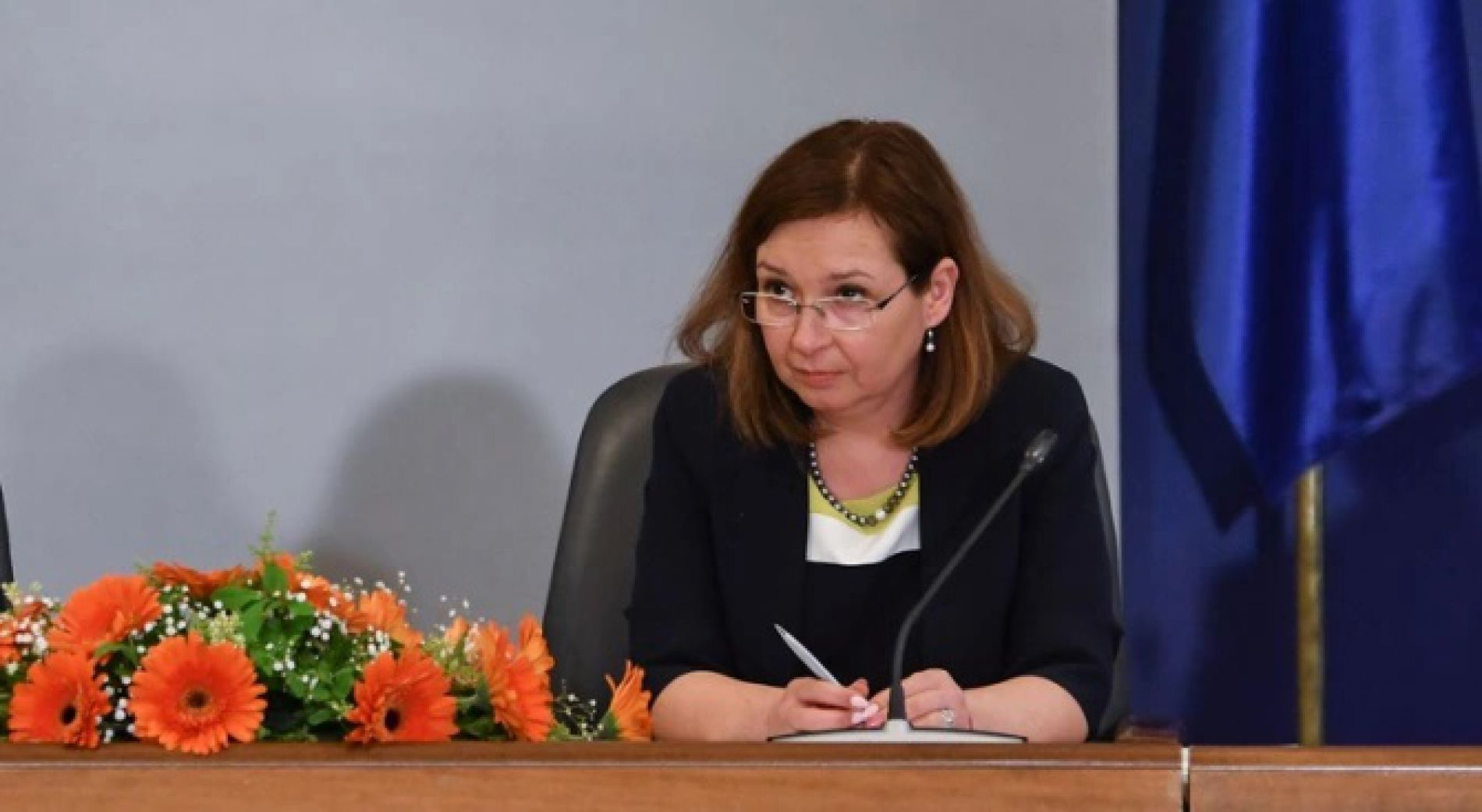 Zornitsa Rusinova: The government definitely has a plan to overcome the crisis