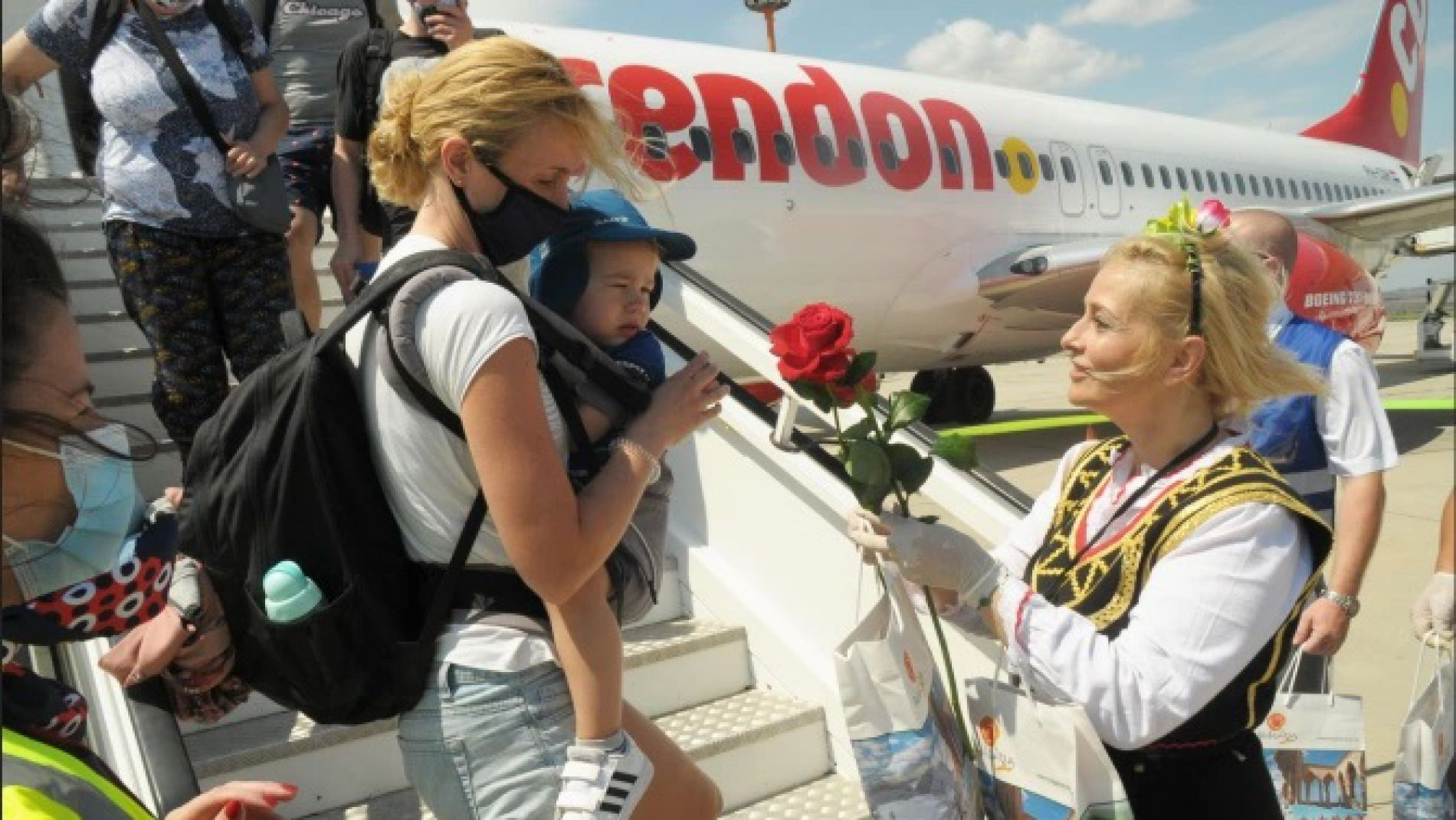 180 tourists arrived at Burgas airport on the first charter flight from Ukraine