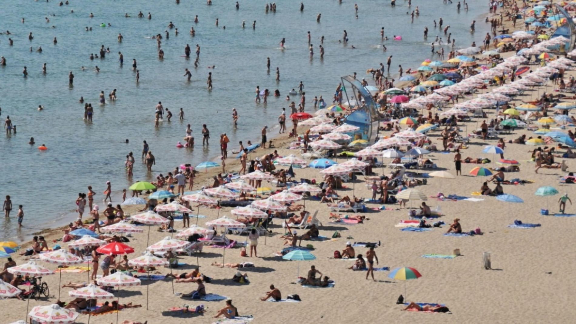 Until the end of May, the umbrellas in Sveti Vlas will be free