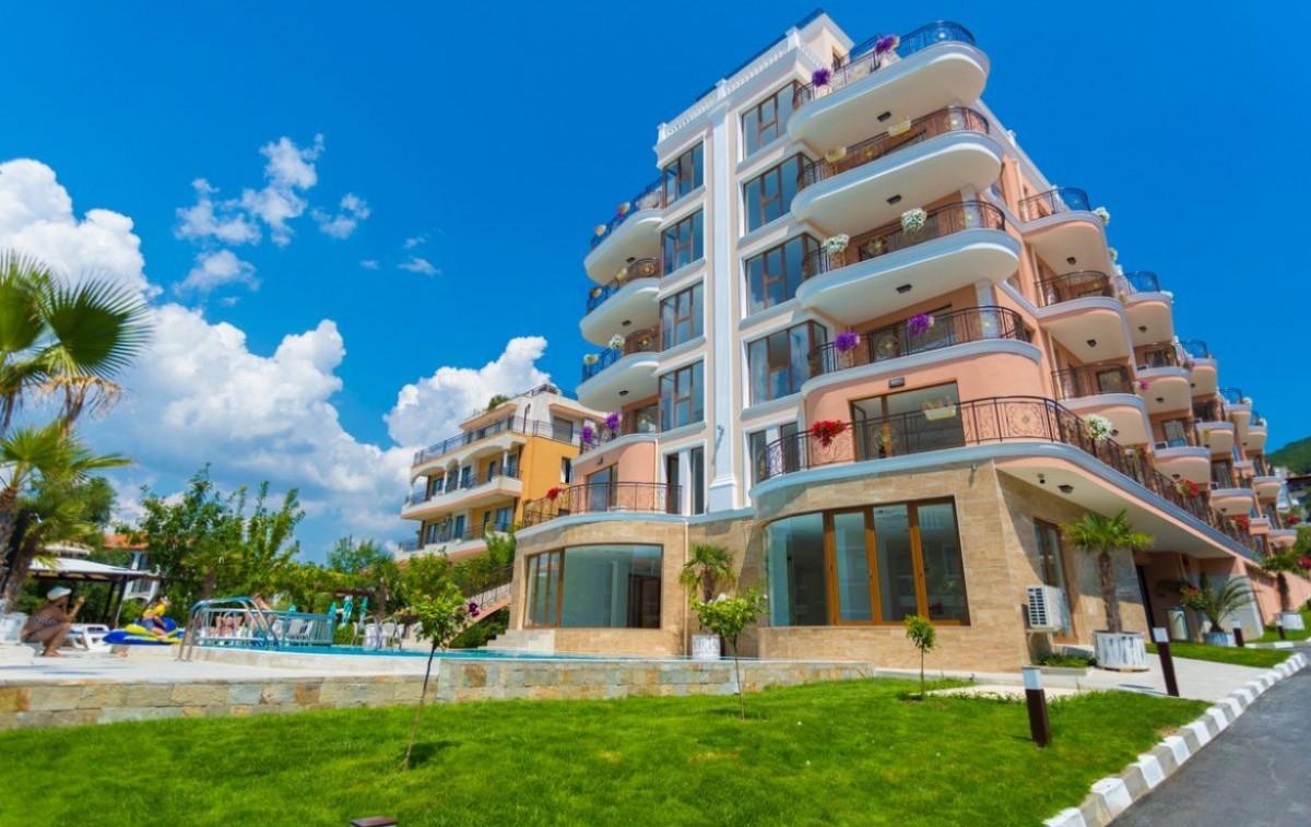 Properties in Bulgaria in Saint Vlas  Feniks complex