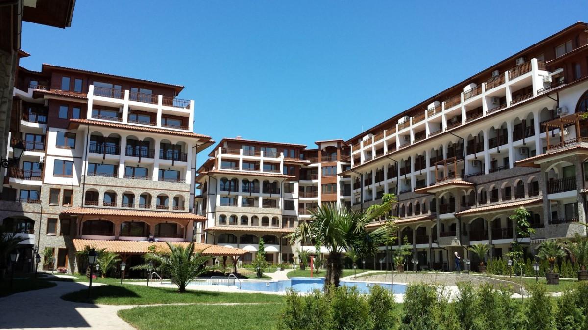 Properties in Olympus complex in Saint Vlas Bulgaria